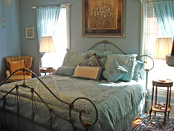 The Gable & Lombard Suite
